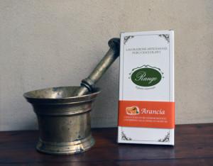 Tavoletta di cioccolato ripiena all'Arancia